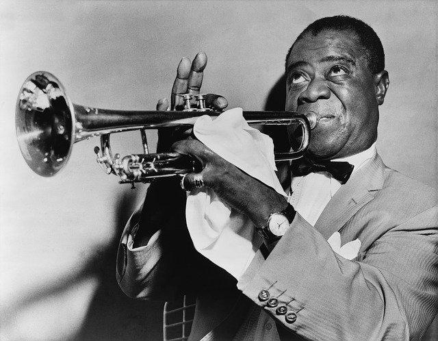 černý trumpetista