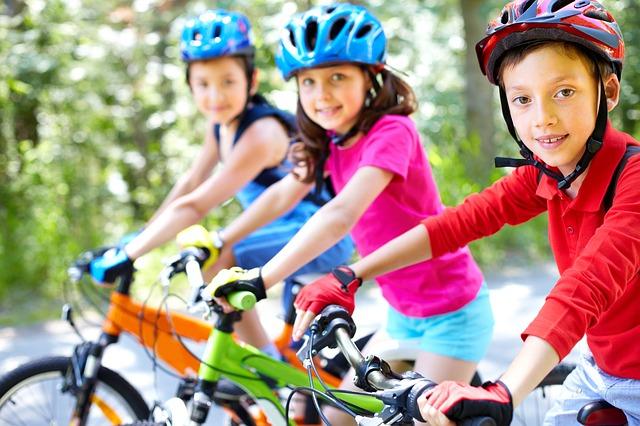děti na kolech.jpg