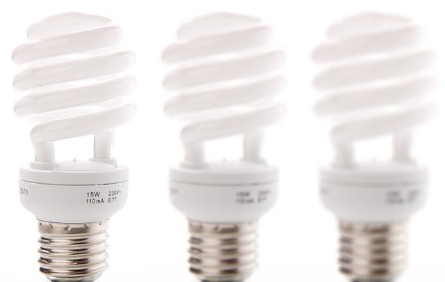 tři zářivky