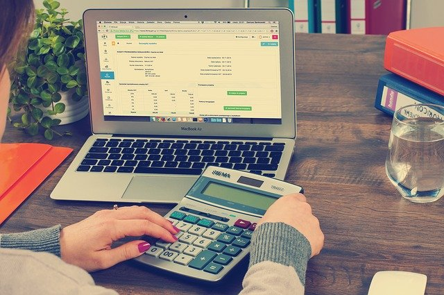 kalkulace úspor laptop